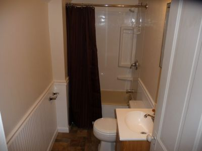 Bathroom Unit 3 Dassel