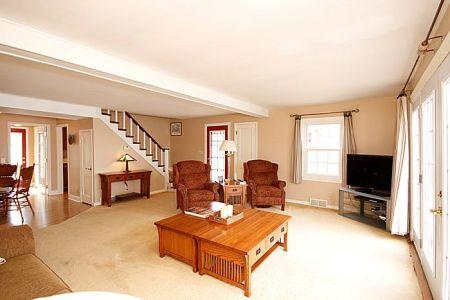 Livingroom2 700